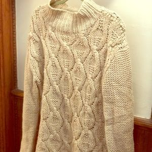Comfy knit sweater with mock turtleneck H&M SMALL